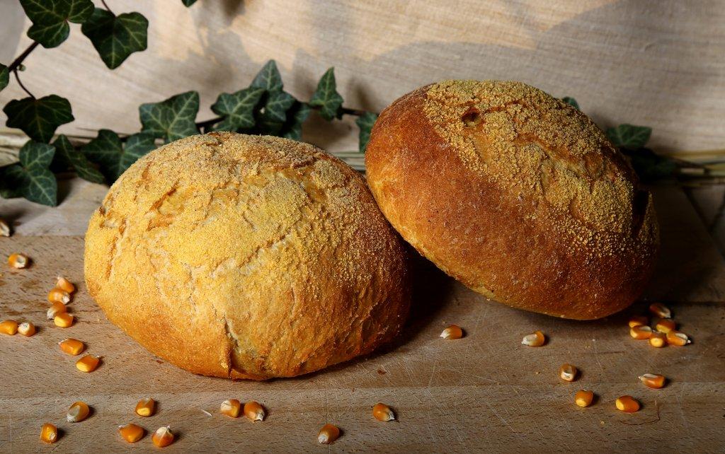 Kruh domaći kukuruzni okrugli 700g