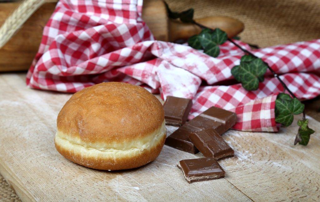 Krafna s čokoladom 50g